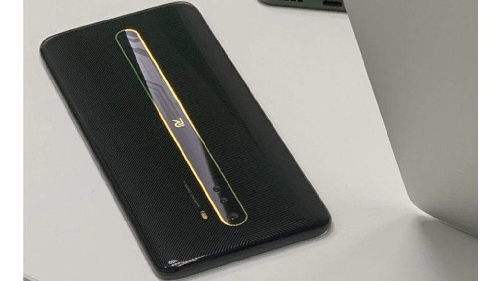 Realme Phone with Vertical Strip along the middle of its Back